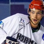 IceCaps Sign Centre Luc-Olivier Blain to PTO